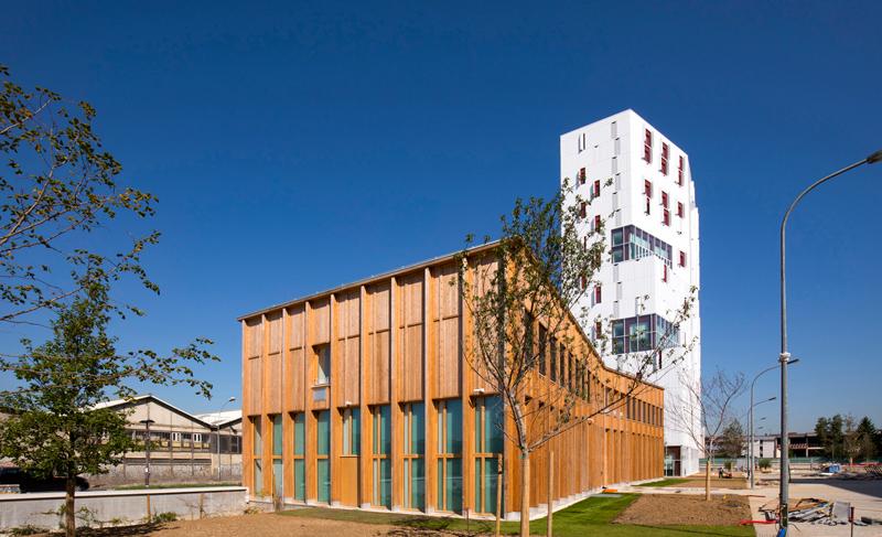 L'Espace associatif et culturel, façade sud
